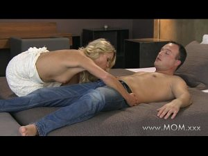 11 Min Hot Girl Blonde Milf Fucks Her Man Momsex